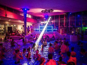 Succesvol housefeest in zwembad krijgt tweede editie
