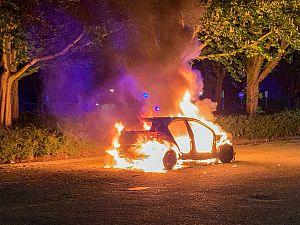 Opnieuw auto uitgebrand
