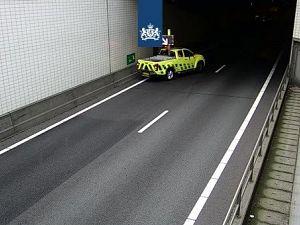 Aanrijding met meerdere auto's in Beneluxtunnel