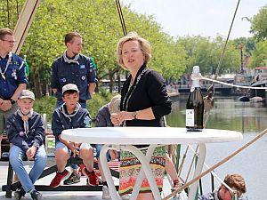 Burgemeester doopt nieuwe vlet van zeeverkenners