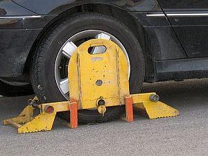 'Wielklem bij fout parkeren buitenlands kenteken?'