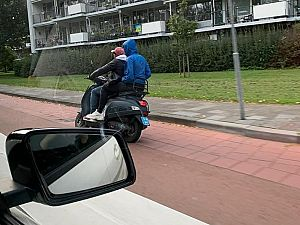 Twee Jongens gezien op gestolen scooter