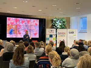 Hans Hagen inspireert deelnemers tijdens VVE conferentie