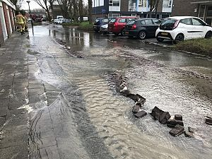 Wateroverlast door leidingbreuk Zeemanstraat