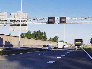 Vrachtwagenchauffeur krijgt boete voor negeren rood kruis