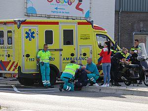 Scooterrijder gewond bij aanrijding Parallelweg