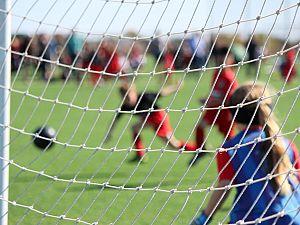 4 juli voetballen bij Deltasport en Victoria'04