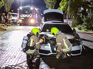 Auto brandt uit aan de Kraanvogellaan