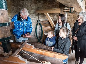 Gratis pepernoten voor bezoekertjes van de molen