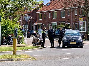 Meisje op scooter gewond bij aanrijding met auto