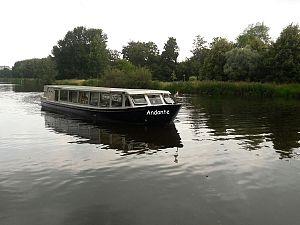 Met de Fluisterboot naar de Beeldentuin