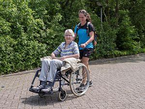 Gratis begeleid wandelen, fietsen en varen voor Vlaardingers met een zorgbehoefte