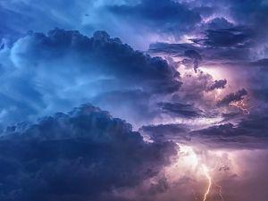 Stevige onweersbuien in aantocht