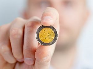 Begrotingstekort: OZB omhoog en bezuinigen op zorg