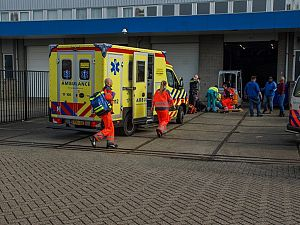 Zwaargewonde na bedrijfsongeval met heftruck in Maassluis