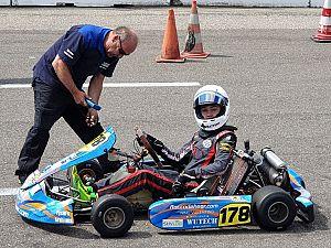 Pech en succes voor karttalent Rocco de Heer bij NK race