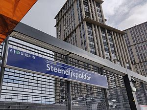 Reizigers willen meer fietsenrekken bij station Steendijkpolder