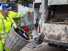 Gemeente: doe geen bouwafval en puin tussen huisvuil