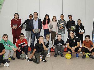 Wereldkampioen straatvoetbal op IKC De Kindertuin
