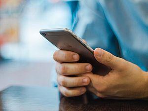 Criminelen vissen naar bankpassen via sms