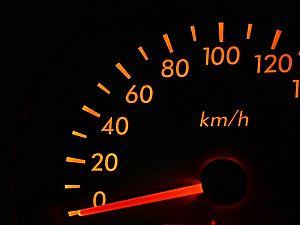 Snelheden op Industrieweg 'wat aan de hoge kant'
