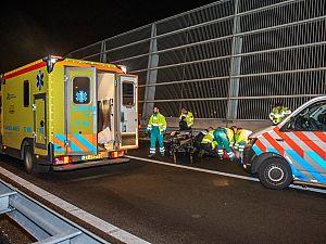 Voetganger zwaargewond na aanrijding op A20