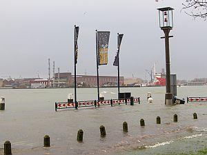Hoog water in Schiedam