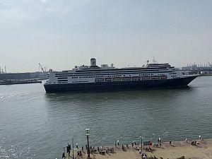 Ms Rotterdam in Schiedam (2)