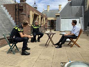 Schiedamse agent gaat het land in met Mark Rutte