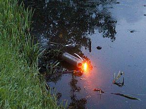 Motorrijder belandt in sloot na uitwijkmanoeuvre