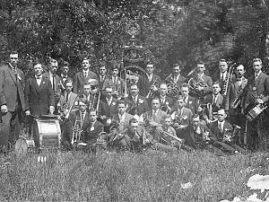 Muziekvereniging Harpe Davids bestaat honderd jaar