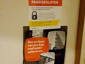 Illegale woonsituaties in oost en west aangetroffen