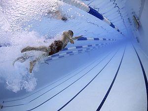 Nederlands record voor jeugdzwemster ZVVS