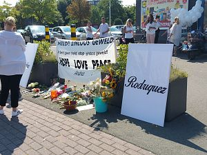 Bloemen gestolen van gedenkplek Andres Rodriguez