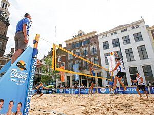Bakken zand en volleybaltoppers in mei weer naar de Groenmarkt