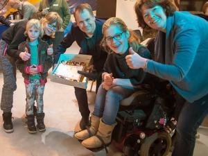 Stichting Spoenk reikt kers op de taart uit aan gemeente Zutphen!