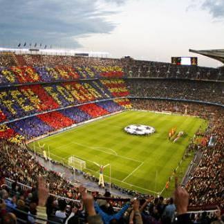 Wie gaat naar Nou Camp in Barcelona