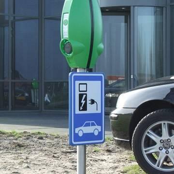 240 extra publieke laadpalen in Limburg