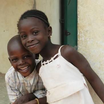 Bestuurders Kids2School terug uit Gambia