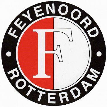 Feyenoordfans met boot van Maassluis naar de Kuip