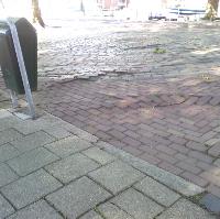 Wegdek Willemskade zwaar verwaarloosd