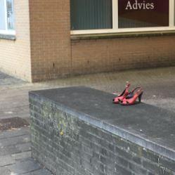 Wie is z'n rode schoentjes vergeten?