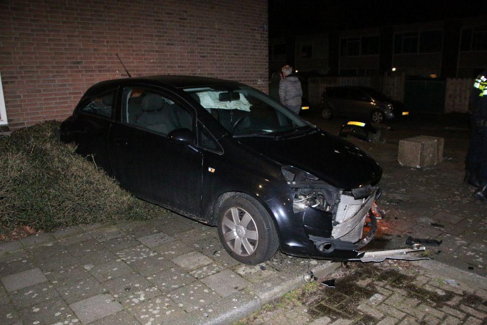 Ravage na aanrijding in de Westwijk