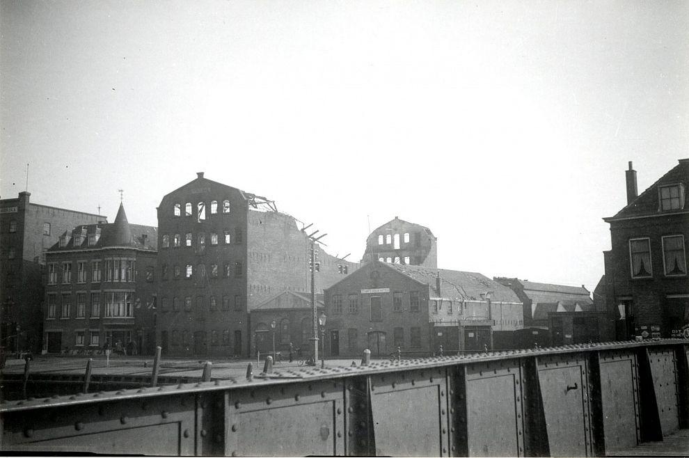 Meubelfabriek ten prooi aan de vlammen