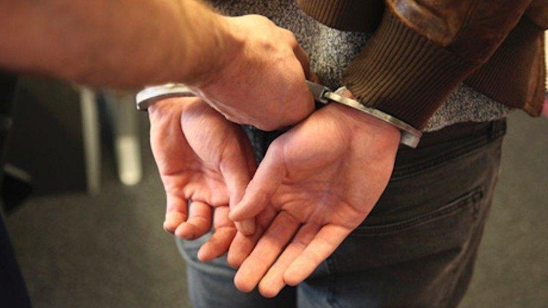 Politie lost waarschuwingsschot bij aanhouding