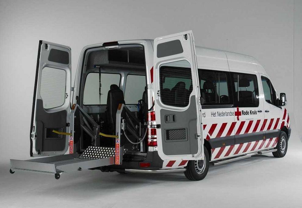 Rode Kruis zoekt chauffeurs en begeleiders