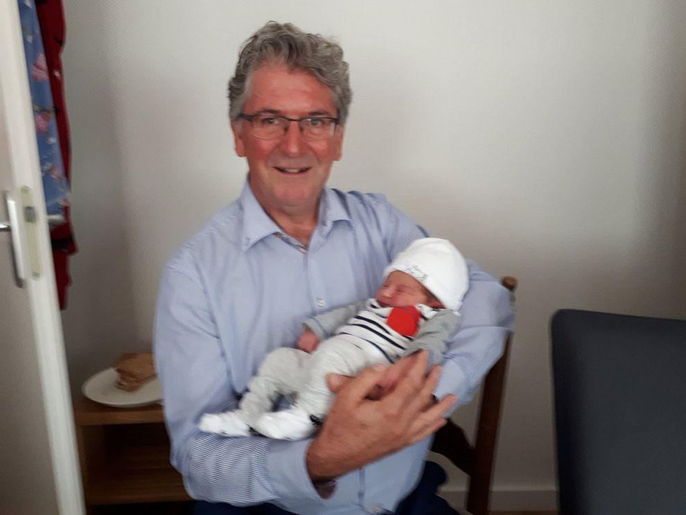 Eerste kleinkind voor onze burgemeester