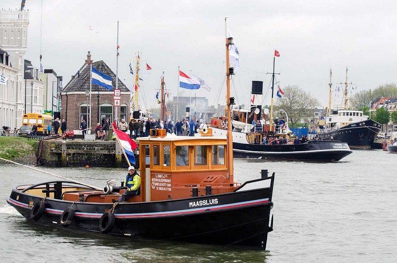 Zwaai Maassluise schepen richting Wereldhavendagen uit