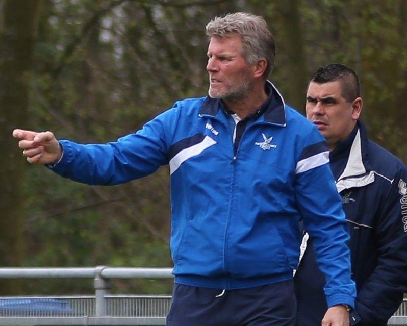 Henk Salari nieuwe trainer VDL