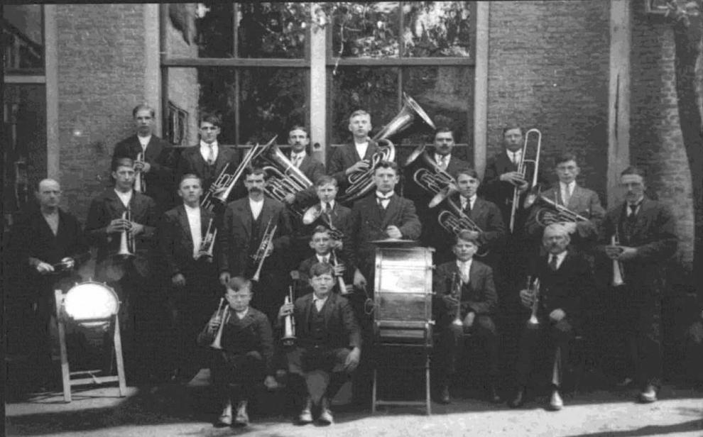 Simon Stokvis bij concert 100-jarig Kunst na Arbeid